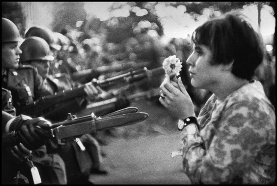 1967. Washington DC, Estados Unidos. Una joven norteamericana, Jan Rose.